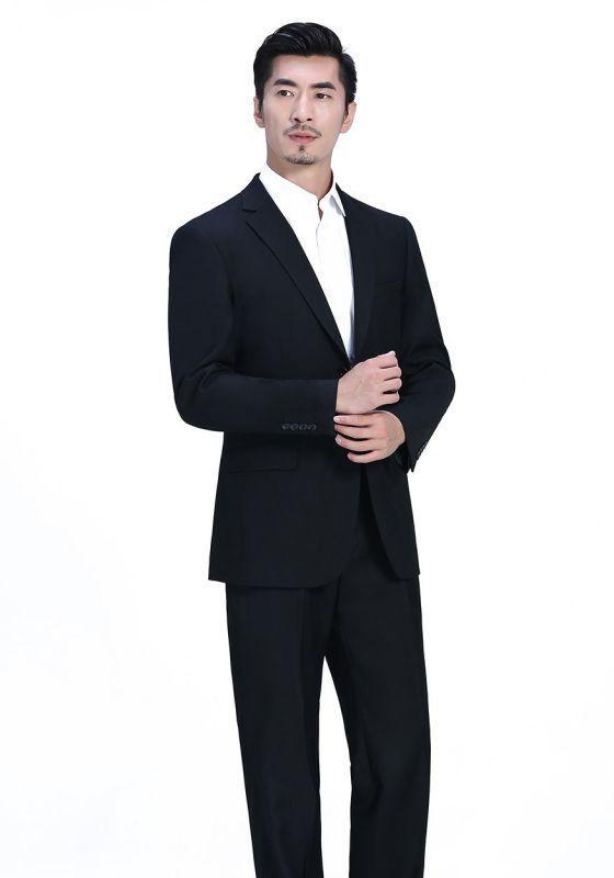 面试时穿高级定制西服应该注意哪些?